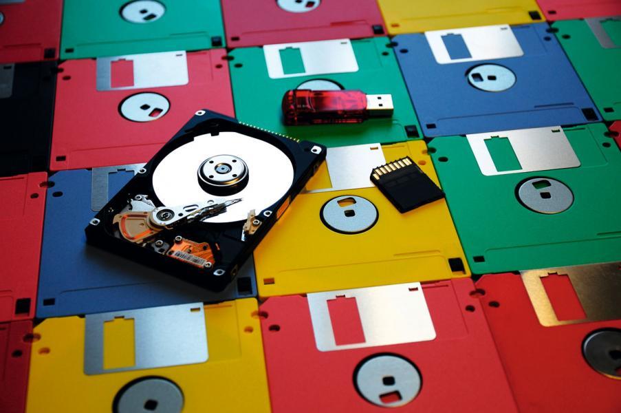 Dov Moran於80年代未看準了流動硬碟的需求,最後推出劃時代的USB裝置。