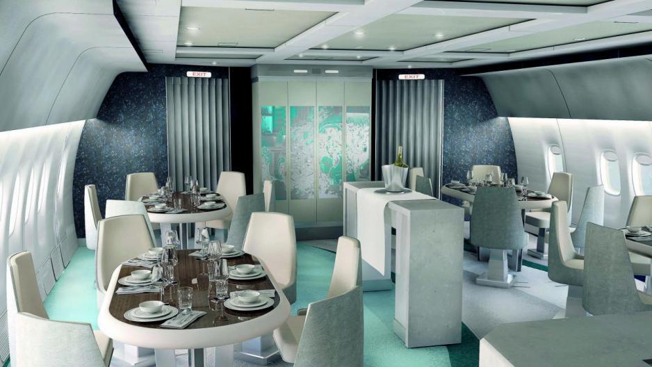 機上設有獨立用餐區、站立式酒吧等社交空間,開Party亦沒問題。
