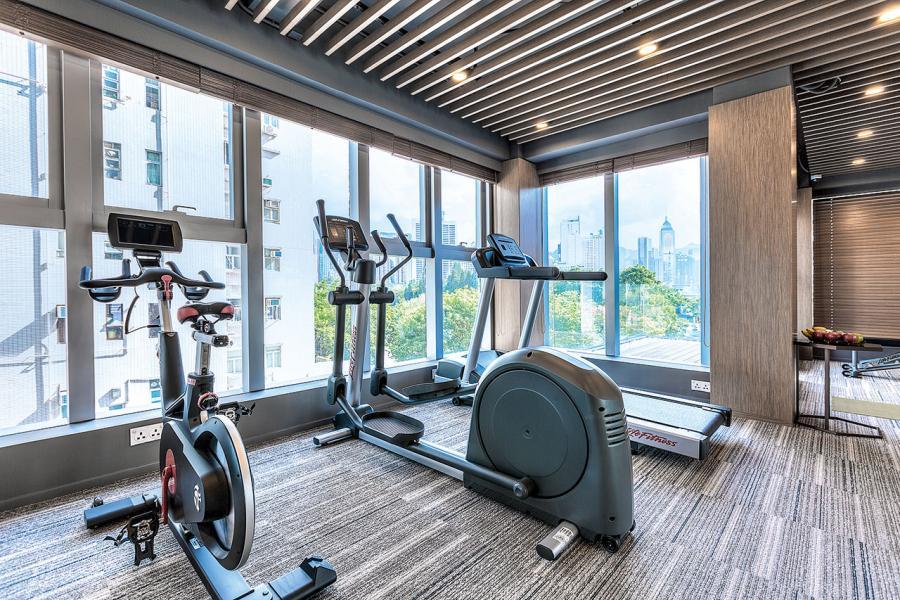 「尚臻維港」的健身室。