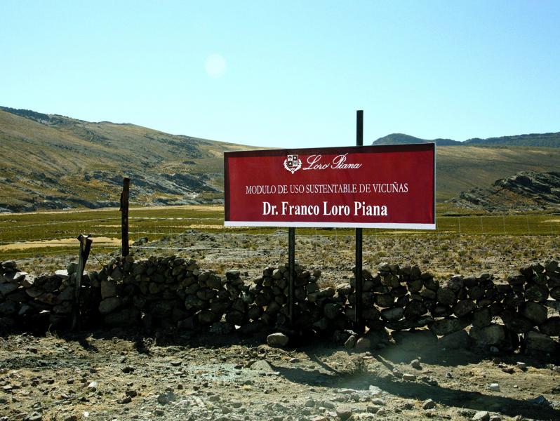 Loro Piana 為了推行駱馬的保護措施,建立佔地超過 2,000公頃,以 Dr.Franco Loro Piana命名的自然保護區。