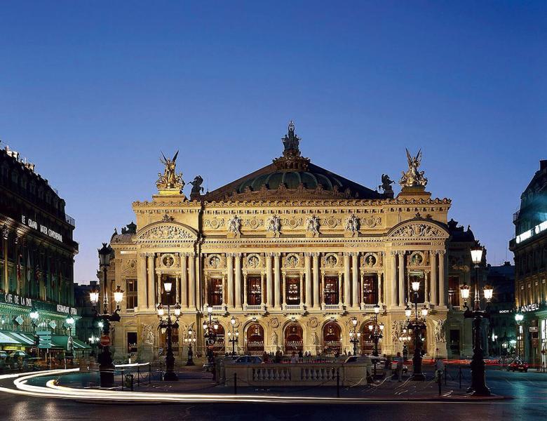 位於巴黎第二區的「巴黎歌劇院」。