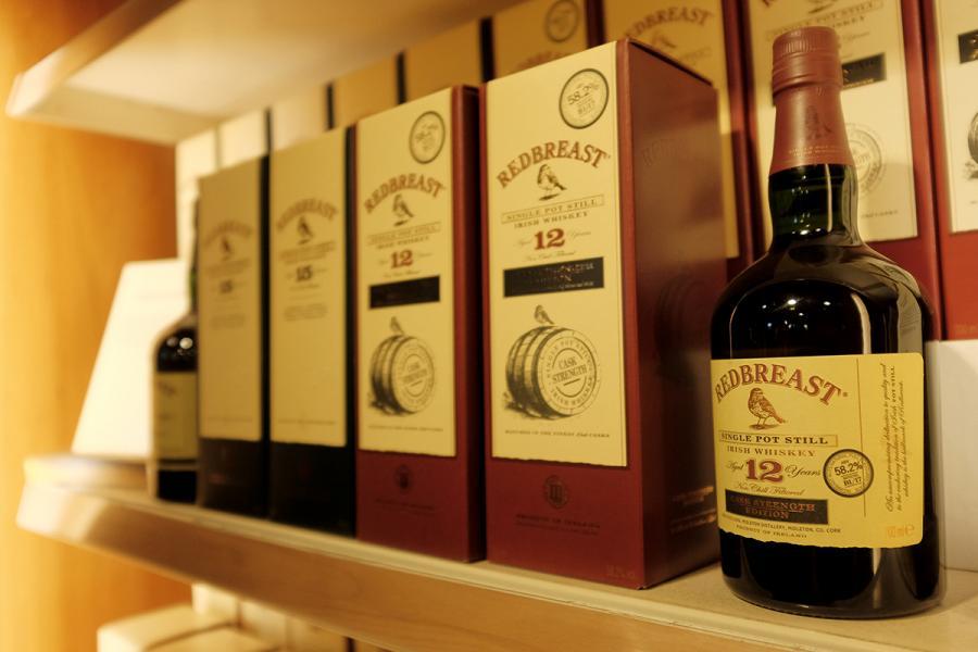 Jameson旗下的著名品牌之一樣Red Breast。