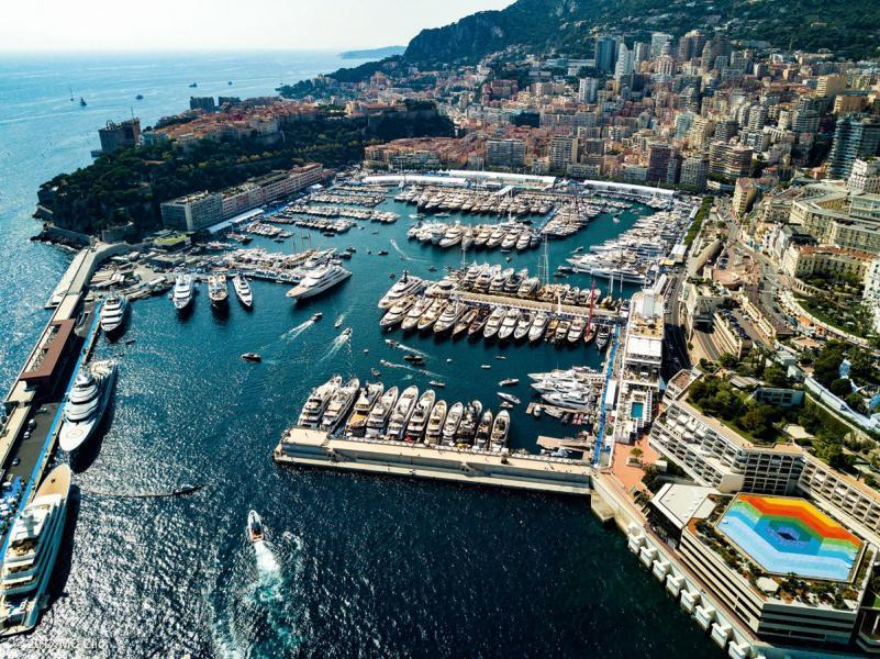 摩納哥國際遊艇展於1991年首次舉辦,至今已有20多年的歷史,是世界唯一的遊艇參展產品長度不低於25米的大型遊艇展。