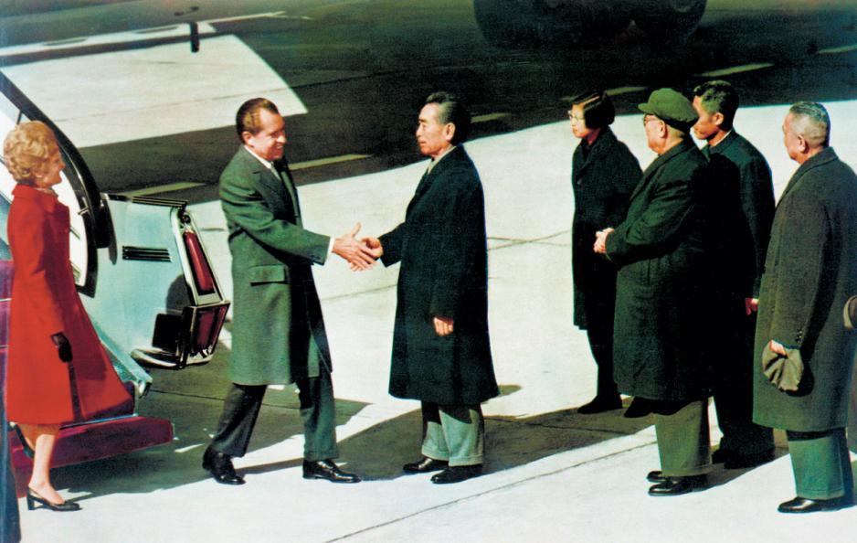 美國前總統尼克遜訪華,掀開中美關係新一頁。