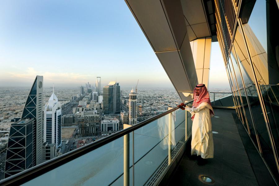 在中東,一些海灣國家也行使君主制。