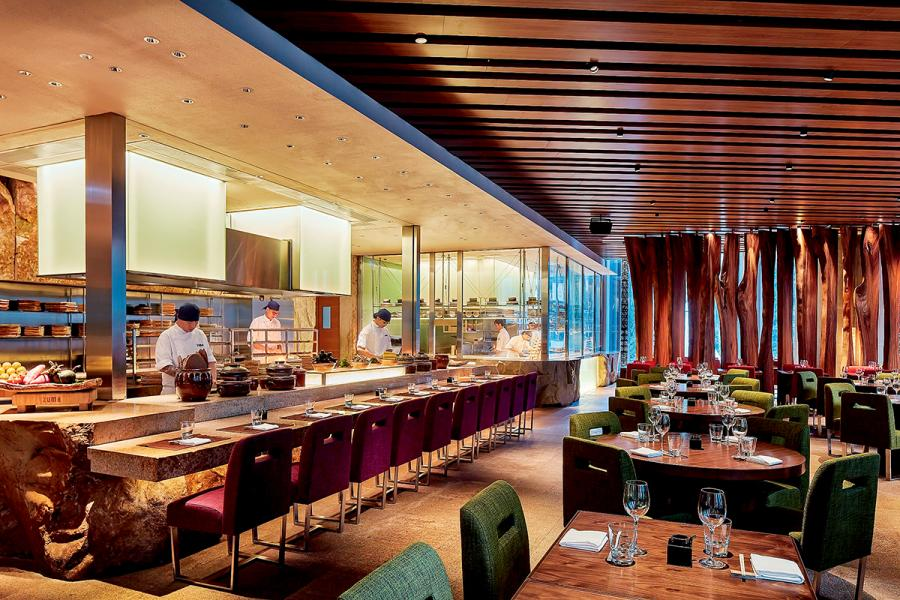 Zuma於早前進行的翻新工程,乃是由餐廳長期合作的東京設計師村松功勝負責設計部分。