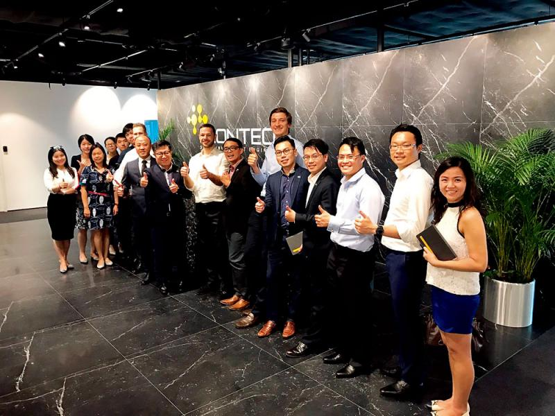 AICFC香港精英考察主席團先後參觀新加坡商業機構,與當地企管人士互相交流。