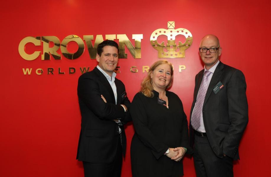 由左至右:Crown World Mobility亞太地區銷售和客戶管理總監Patrick Groth、安居諮詢服務負責人Lisa Johnson、薪酬服務業務負責人Phil Smith