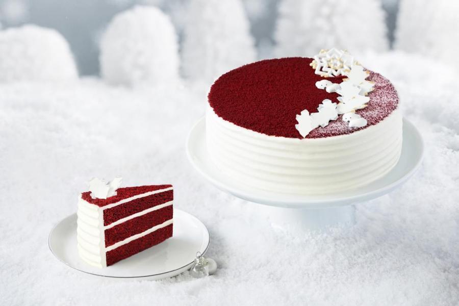 Lady M 每年聖誕節期間限定推出的美式經典「紅絲絨蛋糕」,香港分店件裝售價為每件 $68。