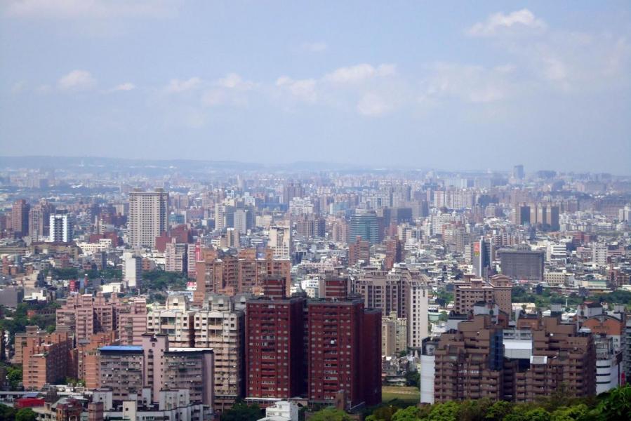 桃園市發展很多重大基建,連接台北的捷運亦開通,形成了「北北桃生活圈」。