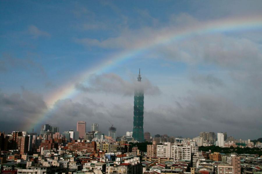 台北在今年5月降豪宅稅,令市場又再蠢蠢欲動。
