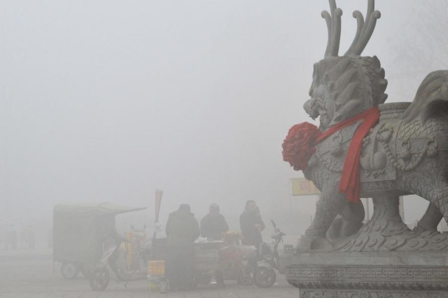 中國向國際社會承諾到二○三○年或更早結束增加碳排放量。