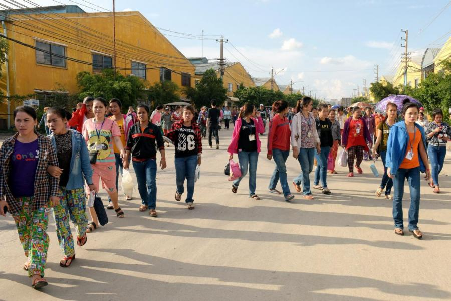 柬埔寨人口平均年齡僅僅為25至27歲左右,為一個年輕化的國家。