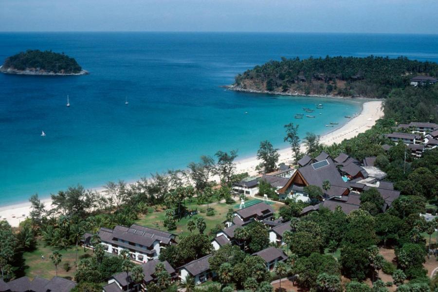 布吉島擁有長達40公里的海灘美景,為聞名世界的旅遊點。