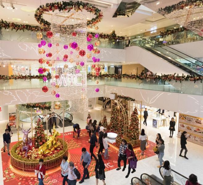 充滿節慶氣氛的「閃耀聖誕藝術王國」。