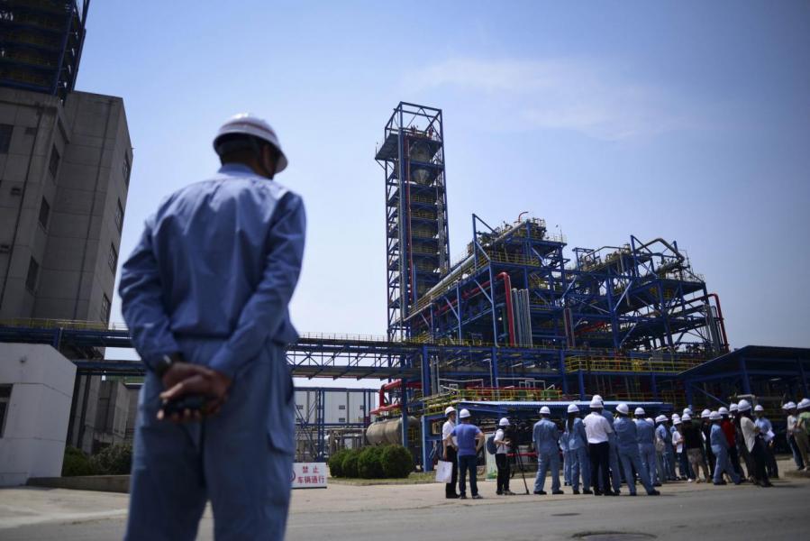 油價近日高企,令三桶油成跌市奇葩。