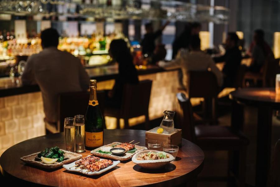 週五夜食將會延續Zuma的夜食派對,以新鮮即製的日式料理、頂級美酒配以高雅型格的環境。
