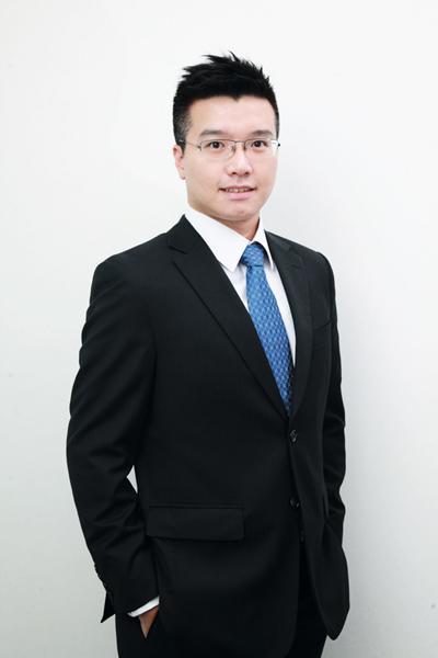 晉裕投資研究部投資策略師黃耀宗預期地產股將與大市同步。