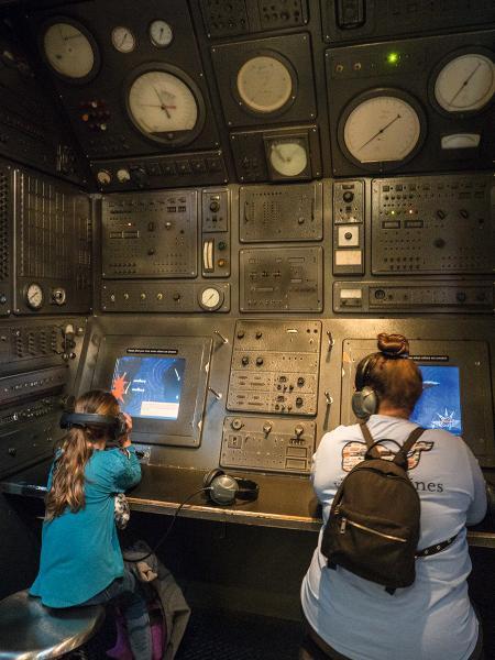 遊客可以在國際間諜博物館內體驗各種互動展品。