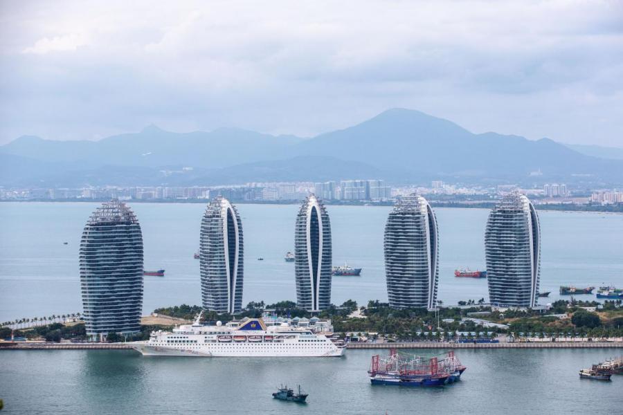去年有報道指海航不單止要出售海外資產,就算其家鄉海南島的資產也要大量出售。