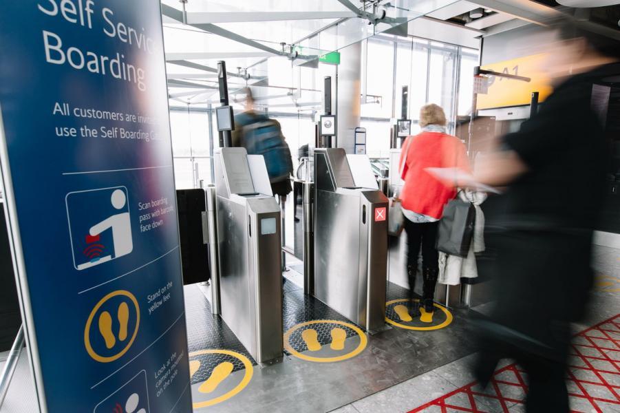 英航的乘客於希斯路機場可以使用生物認證技術登機。