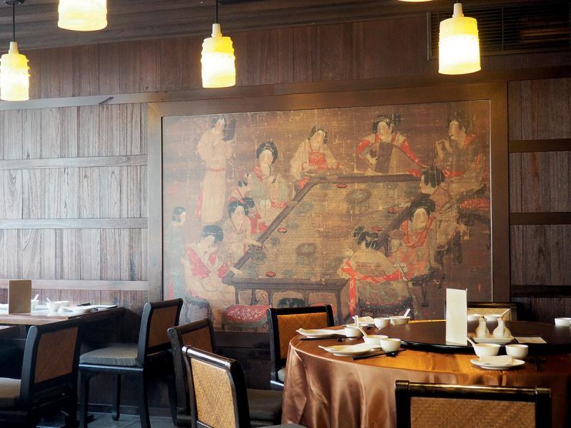 「故宮晶華」餐廳以仿古畫作帶出藝術情懷。