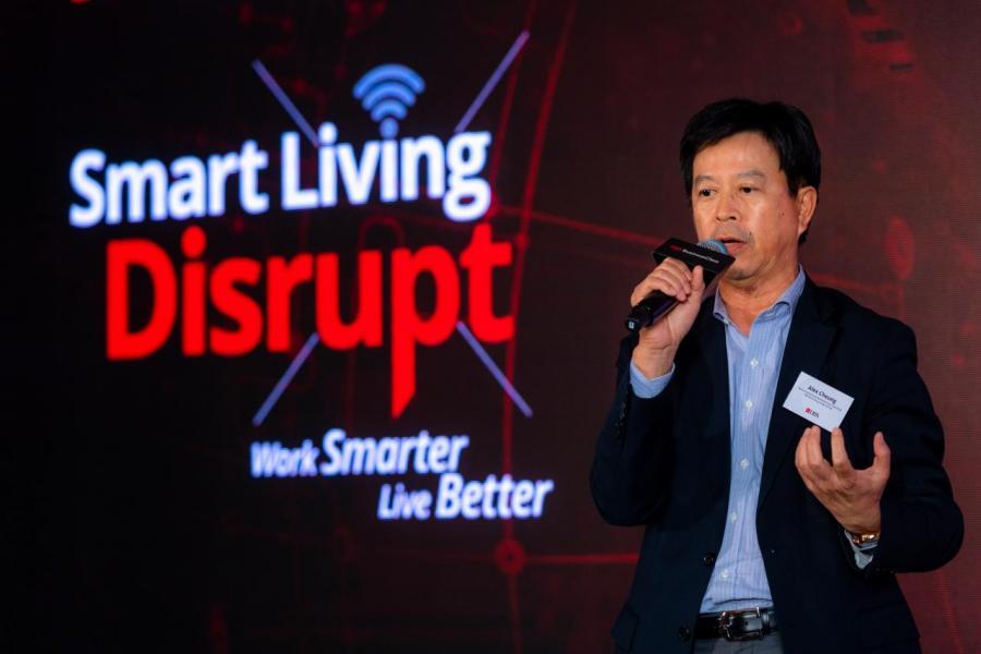 星展銀行(香港)有限公司董事總經理兼企業及機構銀行總監張建生鼓勵香港中小企業以創新科技提升城市生活質素,為智慧經濟締造可持續發展的營商環境。