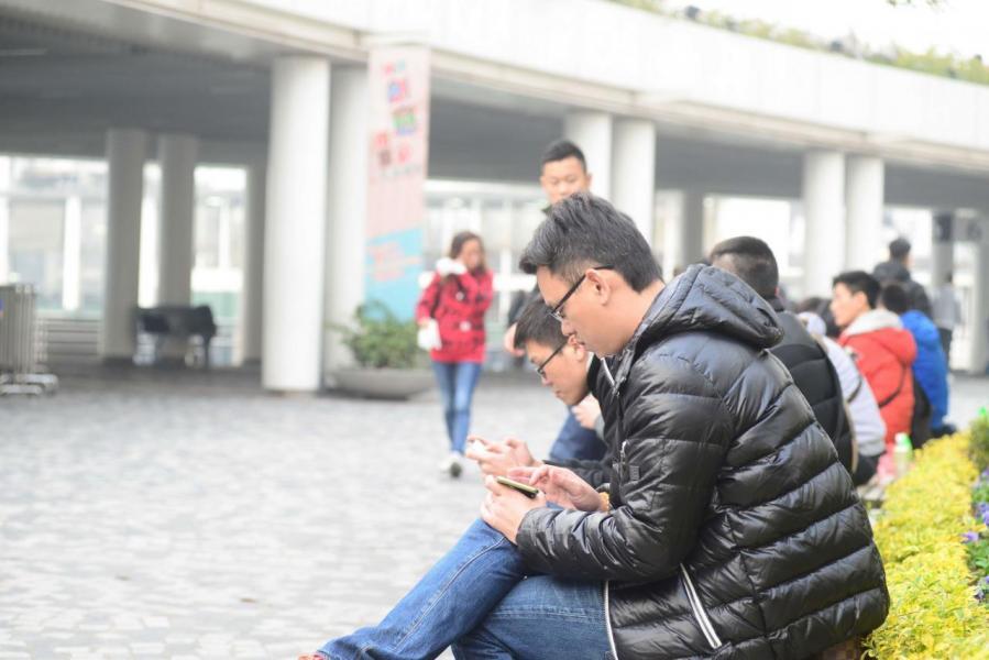 香港的智能電話滲透率為全球最高。