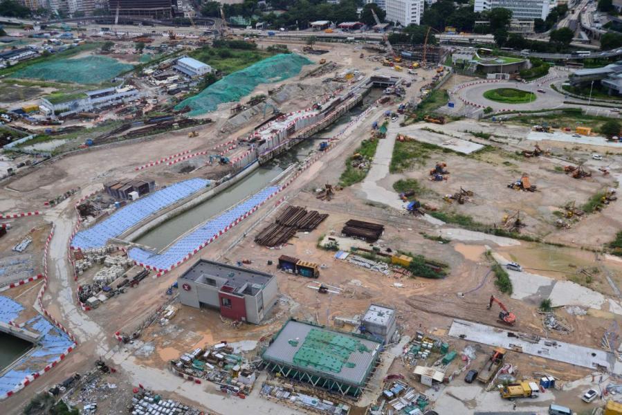 海航去年天價買啟德地皮,炒高香港土地價格。