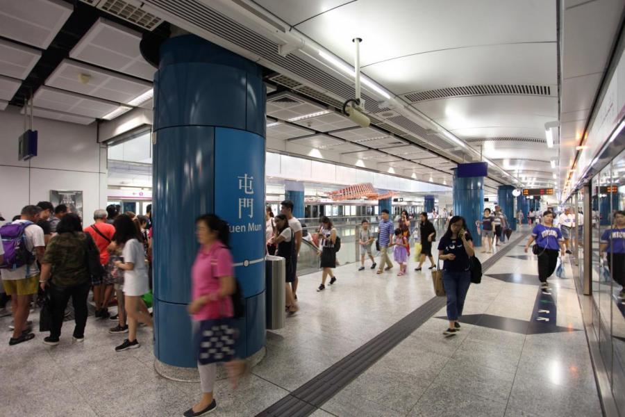 交通是項目的賣點,僅約5分鐘步程便可到屯門西鐵站。