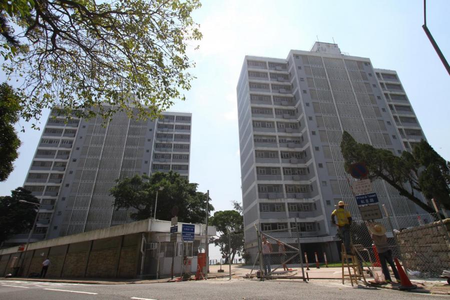 山頂文輝道超級豪宅地皮,暫時安排在上半財年出售,市場對該用地的估值最高約269.7億元。