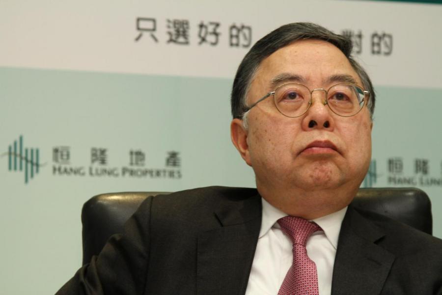 恒隆地產董事長陳啟宗多次聲言要待低位才考慮在港買地,多年未有積極增加土儲。