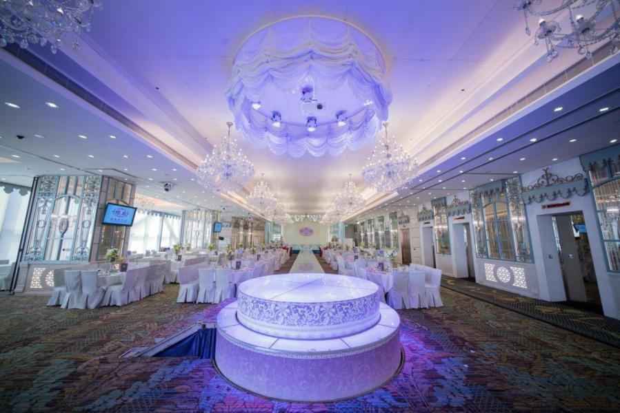 截至去年11月30日止8個月,已招待約3.7萬張宴會桌。