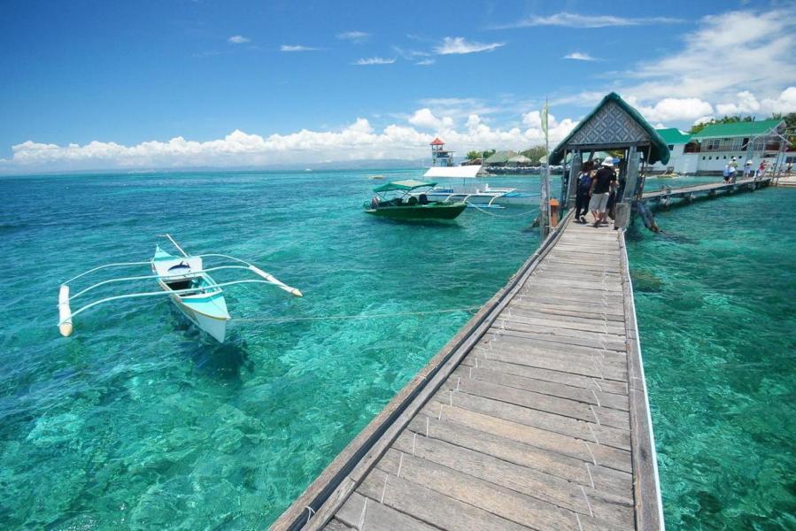 菲律賓重新開放長灘島,但新增許多環保規定。