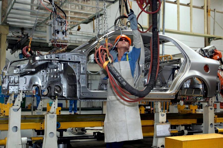 中國汽車產量預計將由2016年2,810萬輛,增加至2021年4,630萬輛。