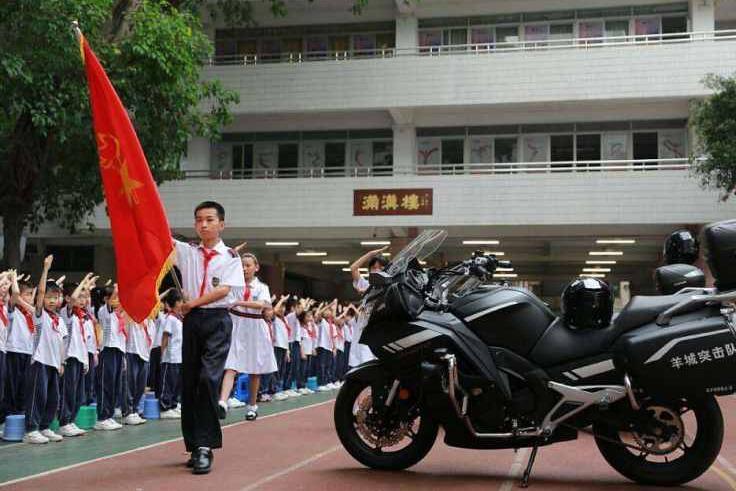 朝天小學歷史悠久,前身為滿清的廣州同文館。