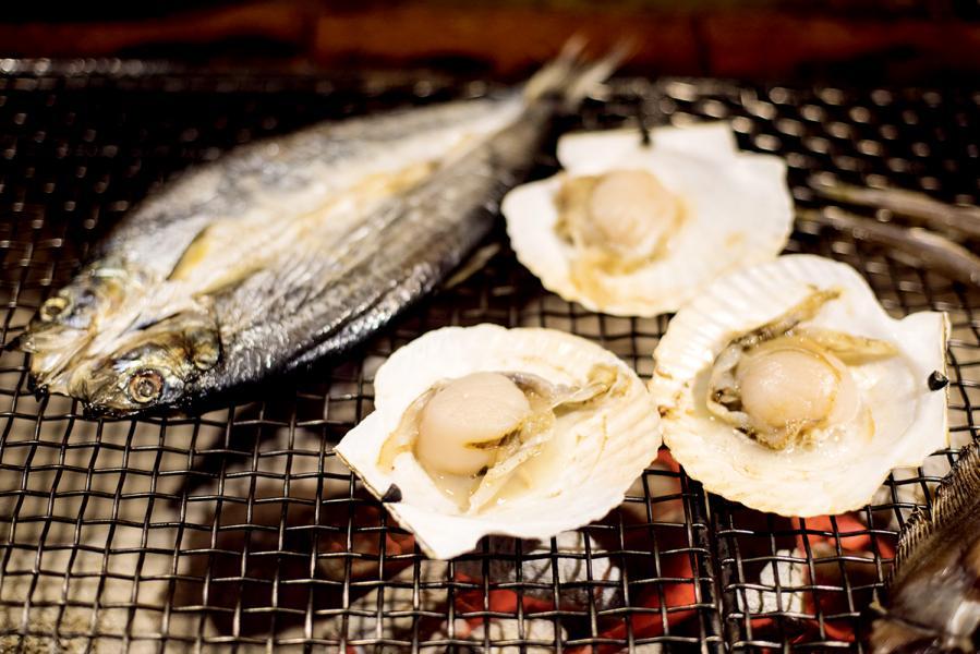 帆立貝、鰈魚等都是冬天時令海鮮。