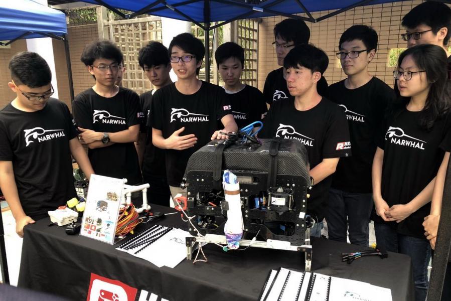 科大師生的創新力出類拔萃,圖為該校機器人團隊參加第17屆MATE國際ROV(遙控載具)比賽。