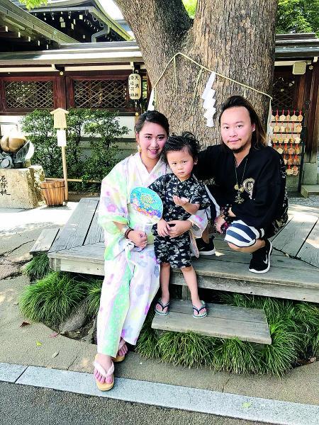 黎偉業博士熱愛家庭,百忙中抽時間與太太及兒子共聚天倫。