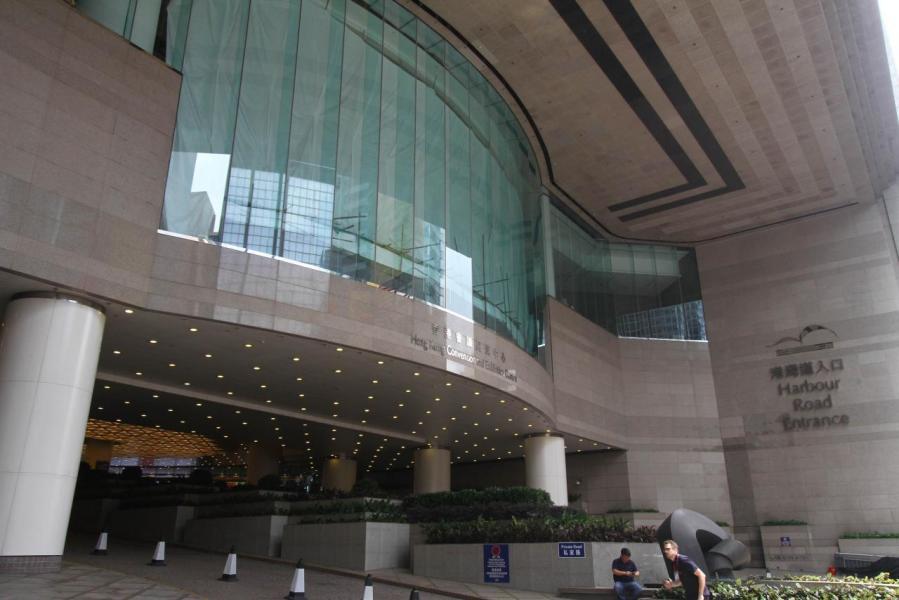 商廈市場呈「價升量跌」局面,早前大鴻輝集團斥資約18億元買入灣仔港灣道1號會展廣場辦公大樓21至23樓。