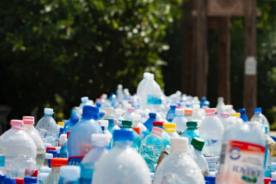 說到底,如果有可完全回收的塑膠,至少可以減少部分污染的嚴重性。