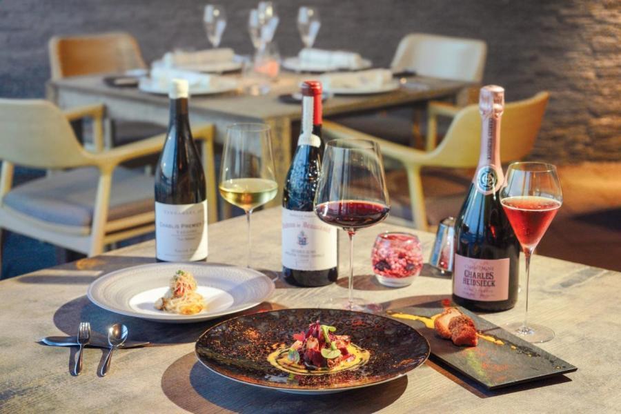 以松茸及時令食材設計了8道菜的日本法式料理,來自日本東京米芝蓮星級餐館 à nu retrouvez-vous。