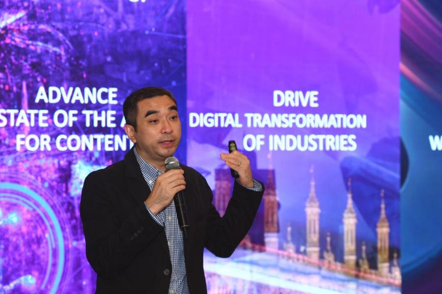 Adobe 香港及台灣區總經理 (General Manager of Digital Media for Hong Kong and Taiwan) 陳育明