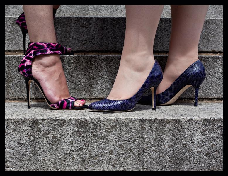 鞋履在歷史上的不同場合扮演著不同的角色。
