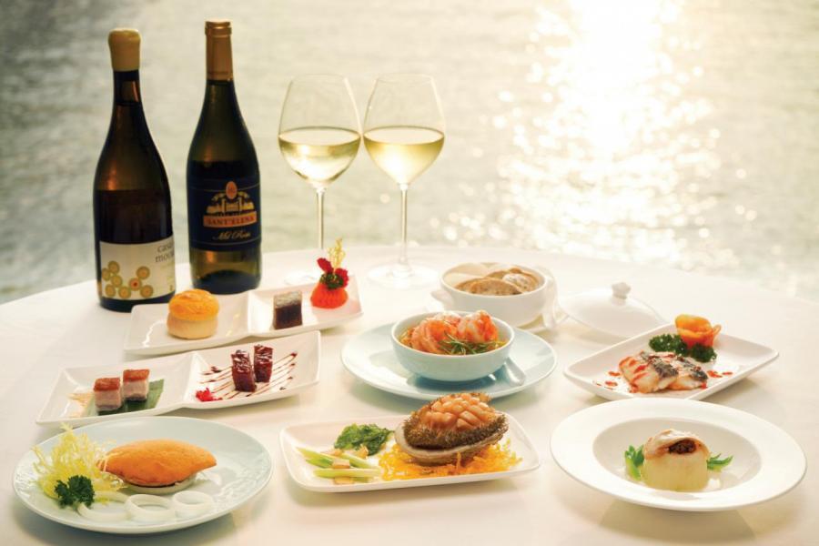 唐人館帶來招牌中式菜餚及相配之紅酒。