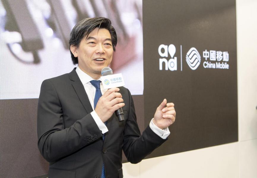 中國移動香港董事及行政總裁李帆風表示,全新旗艦店標誌着中國移動香港面向數碼化新時代的決心。