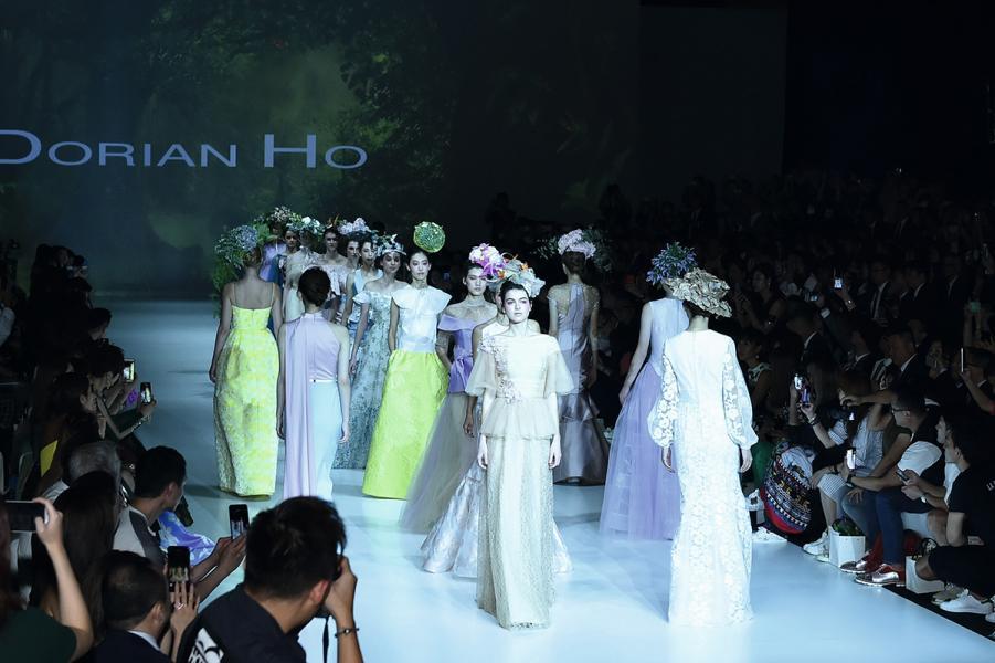 貿發局於9月間為Dorian舉行的大型時裝展,以慶祝入行25年。