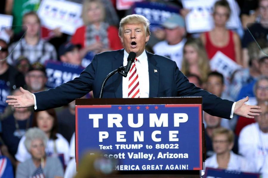 美國總統特朗普勵行減稅等政策,令市場形成通脹環境。