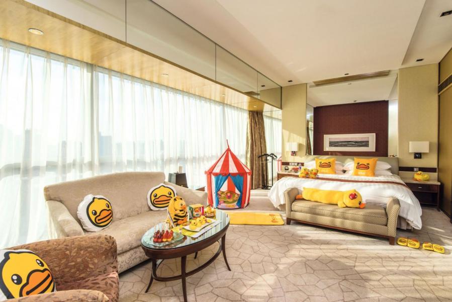 B.Duck與北京香格里拉酒店聯乘合作,推出酒店主題房吸客。