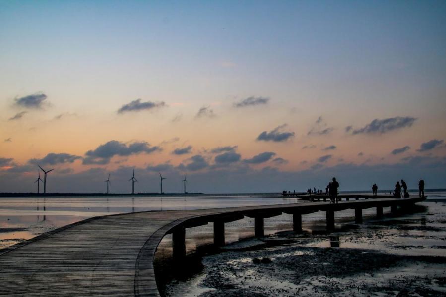 台中市政府推動海線雙星計畫,聚焦「北大安、南高美」。